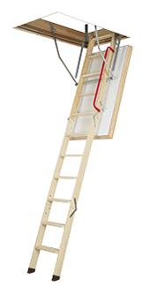 Деревянная суперэнергосберегающая чердачная лестница Fakro LWT Thermo