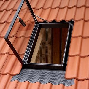 Окно-люк VELUX для холодных чердаков - для выхода на крышу GVT 0059