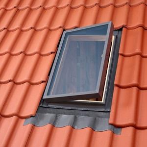 Окно-люк для холодных чердаков VLT